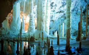 Grotte di Frasassi - sala delle candeline