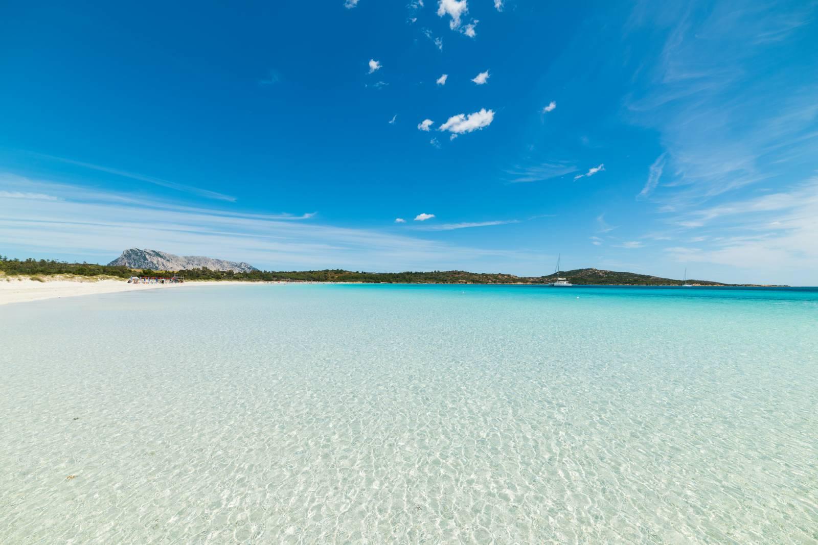 Dodici spiagge del mediterraneo da vedere almeno una volta for Immagini desktop mare