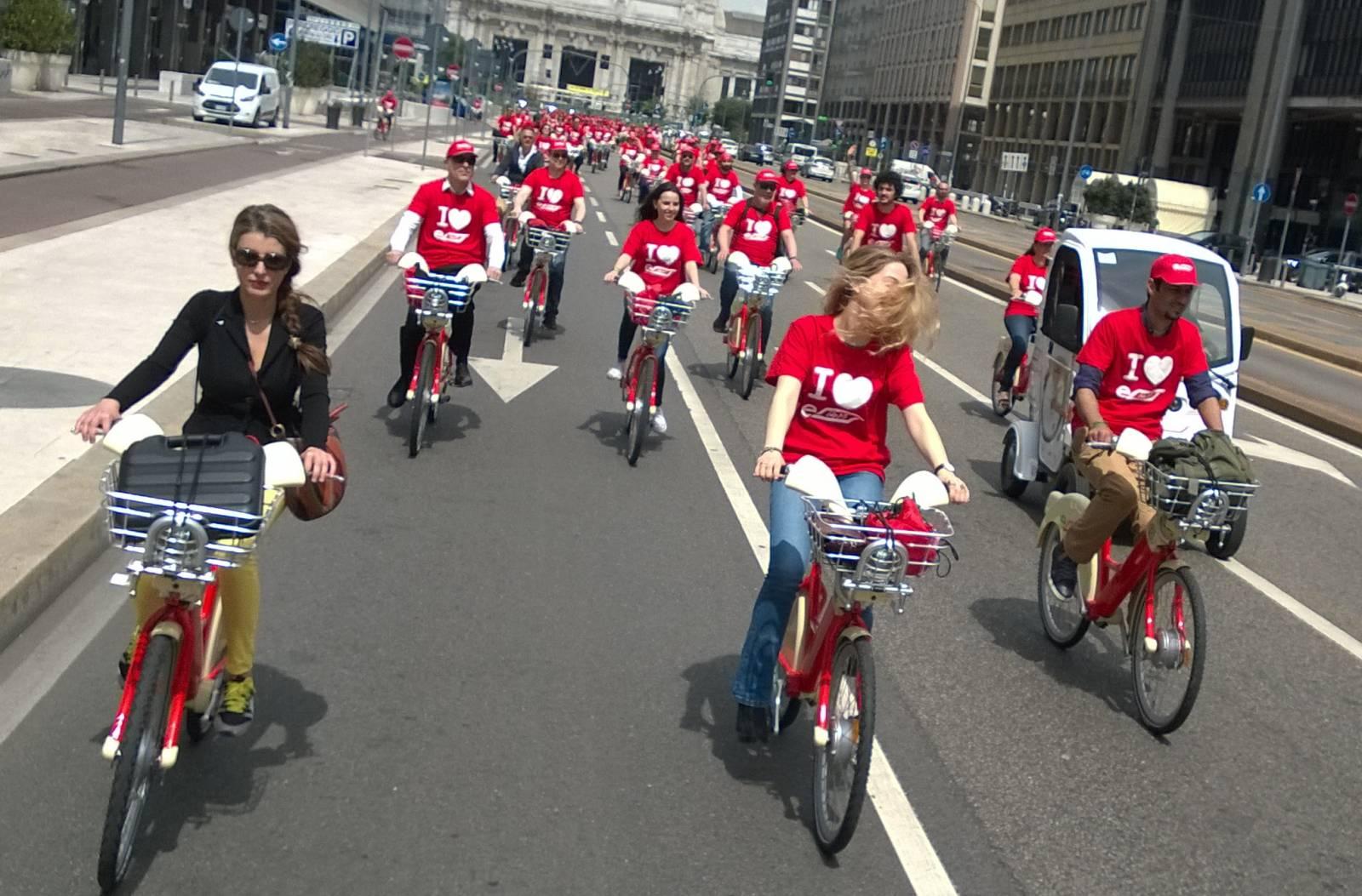 Milano nasce il bike sharing elettrico for Mobile milano bike sharing