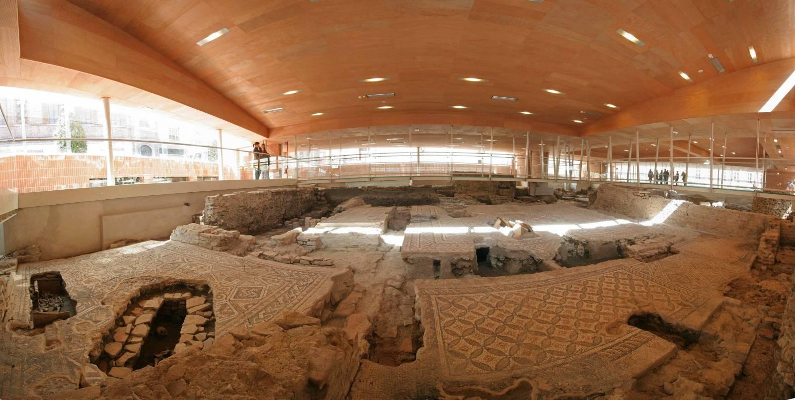 Domus del chirurgo rimini localita archeologia for Invertire piani di una casa di una storia e mezzo