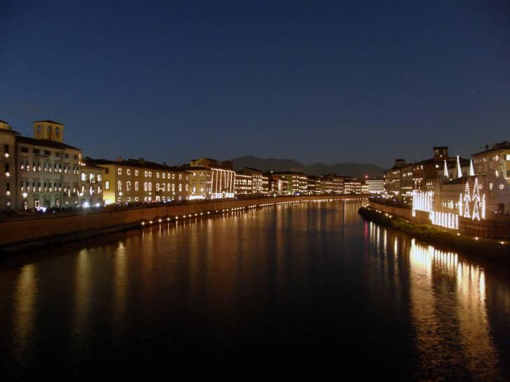 Pisa, comincia la luminara