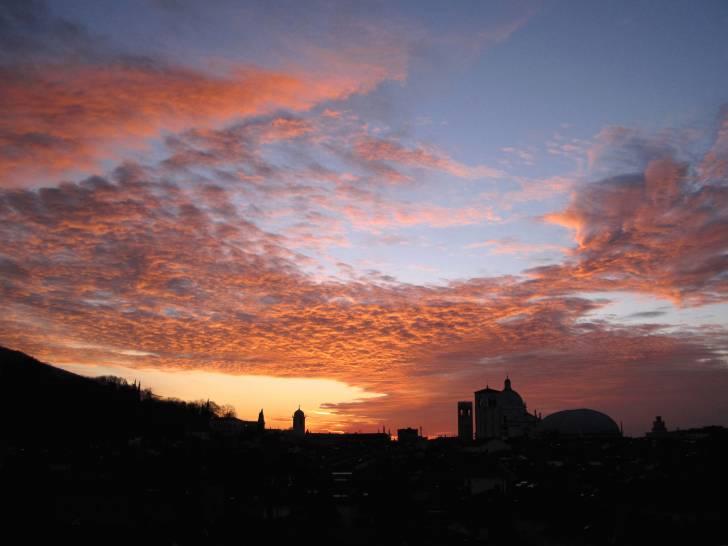 Brescia, inverno, l'alba.