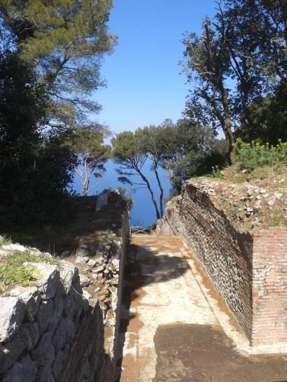 Capri: a zonzo a villa Jovis