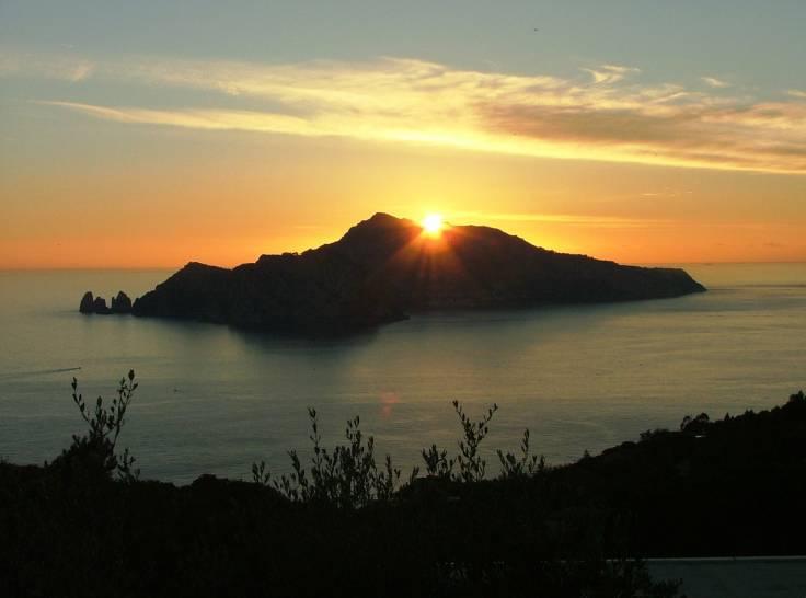 Il sole che BACIA l'isola dell'Amore