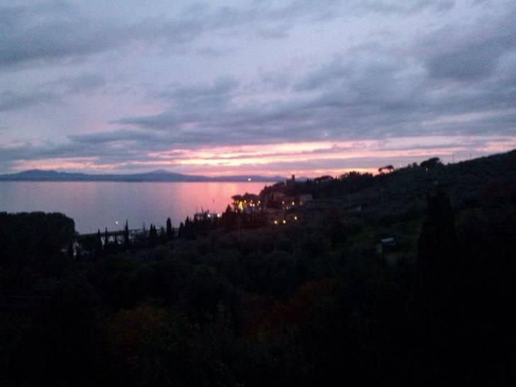 tramonto a Passignano sul Trasimeno  (Perugia)