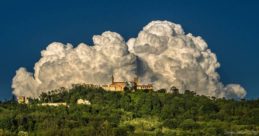 Nuvole al castello di Nazzano