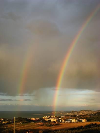 Arcobaleni sul golfo di Ancona