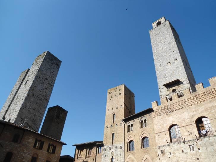 Azzurro su San Gimignano