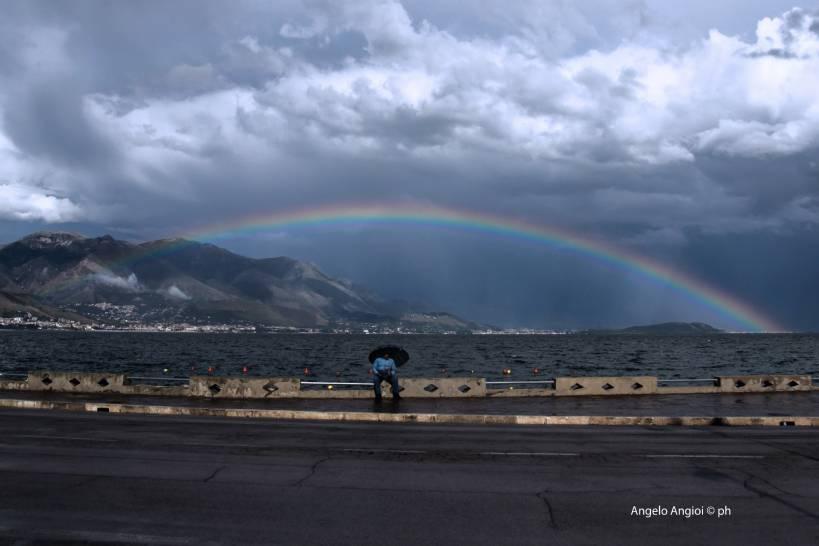 the rainbow umbrela