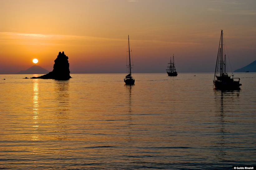 Tramonto alle Isole Eolie