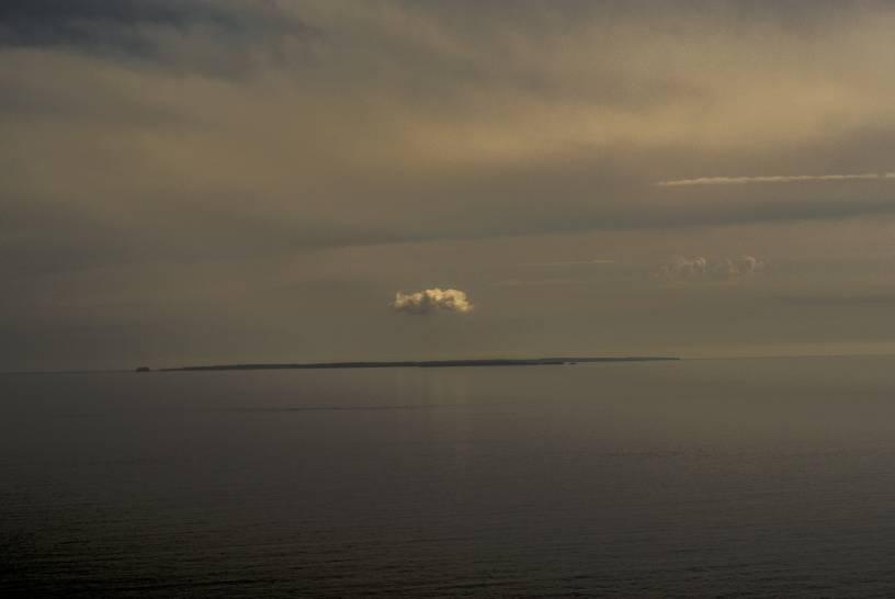 Il cielo sopra Pianosa. Una nuvola solitaria.