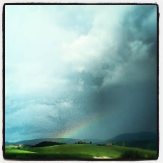Colline in odore di arcobaleno