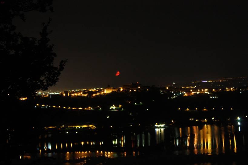 noi,il lago e la luna