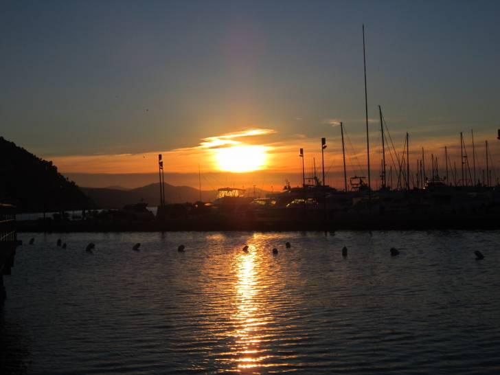 Il levar del sole a Rapallo.