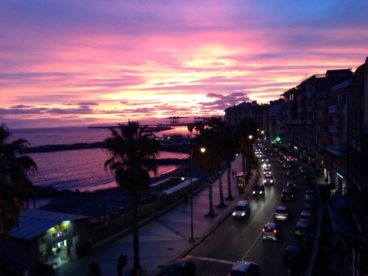 La magia dell'inverno sopra Genova a ponente