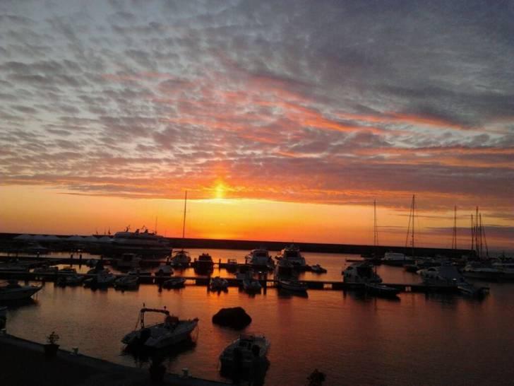 Forio e lo spettacolo al tramonto
