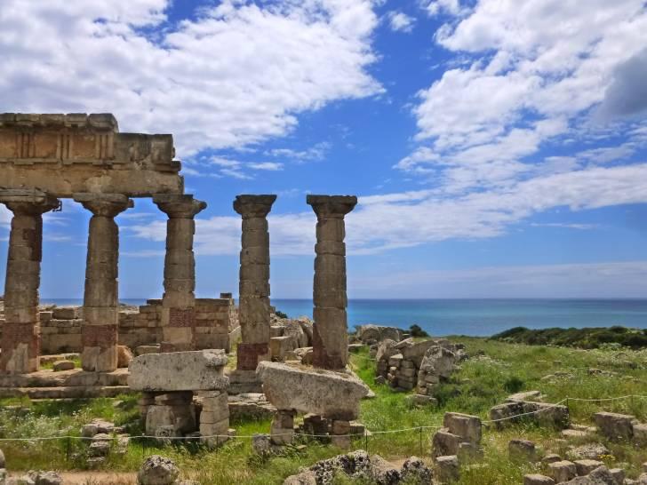 Magna Grecia nel verde, nel bianco e nel blu