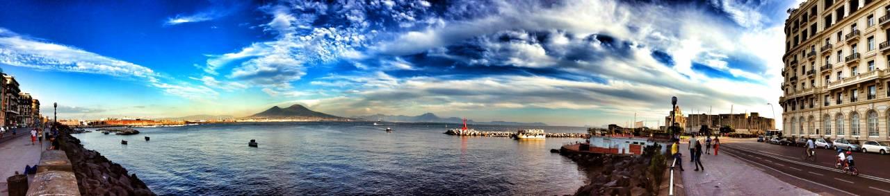 Napoli - Lungomare Caracciolo - Vesuvio - Golfo