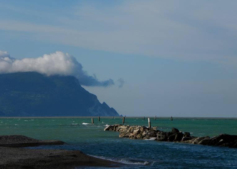 Grande nuvola sul Monte Conero (AN)