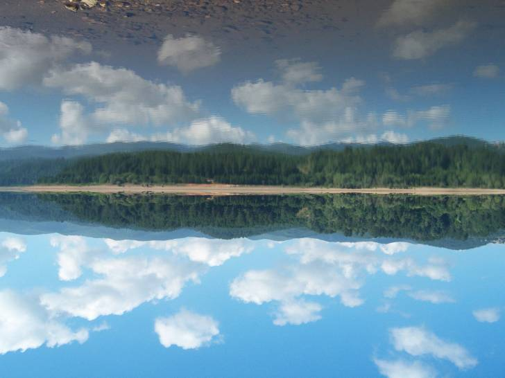 Sila, Lago Arvo: L'azzurro capovolto.