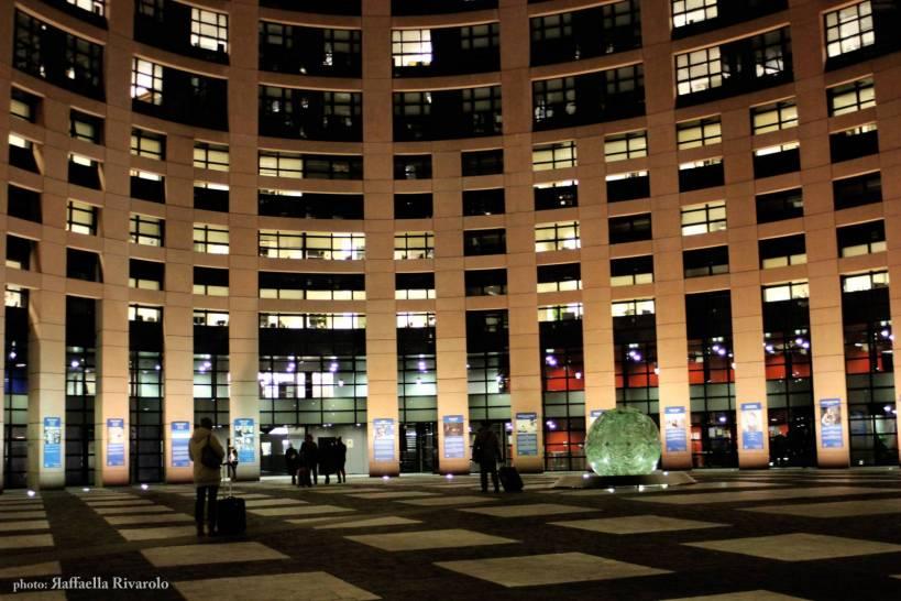 Bike the nobel la terza tappa l 39 arrivo al parlamento europeo for Notizie parlamento italiano