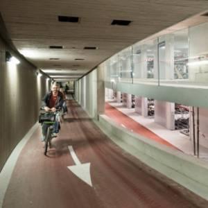 Inaugurato in Olanda il parcheggio coperto per biciclette più grande del mondo