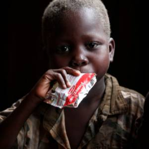 Ristoranti contro la fame: andare a cena per aiutare i bambini malnutriti