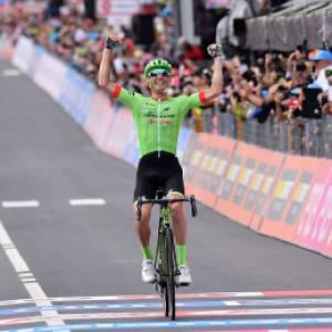 Il Giro del Touring: il semiologo, il paladino e il Cavaliere verde