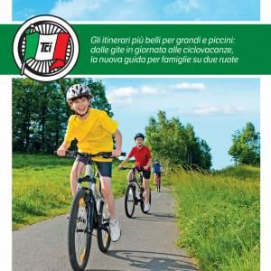 In bicicletta con i bambini: la nuova guida Touring