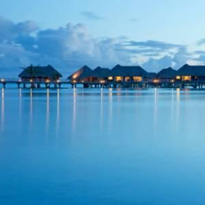 L'overwater compie 50 anni: i fantastici bungalow sull'acqua della Polinesia francese