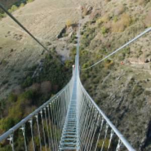In Basilicata il ponte tibetano più spettacolare d'Italia