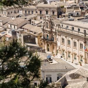 In camper in Sicilia, le città del Barocco e l'oasi di Vendicari