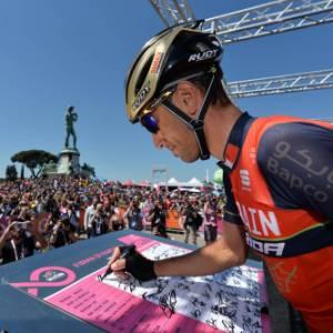 Il Giro del Touring: nella Romagna toscana la tappa si tinge di viola