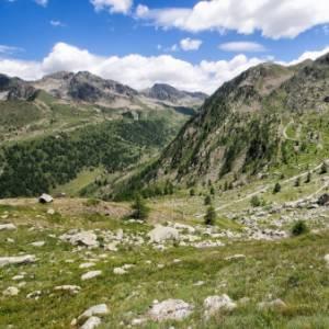 In camper nelle valli del Cuneese, tra splendide montagne e gastronomia doc