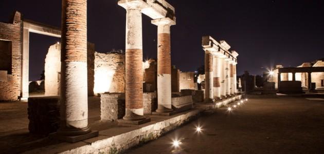 Visite notturne a Pompei: ecco il nuovo percorso luci e suoni