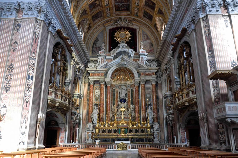 Risultati immagini per chiesa del Gesù Nuovo Napoli