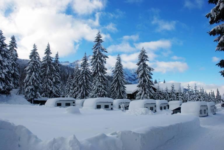 Risultati immagini per caravan park sexten foto inverno
