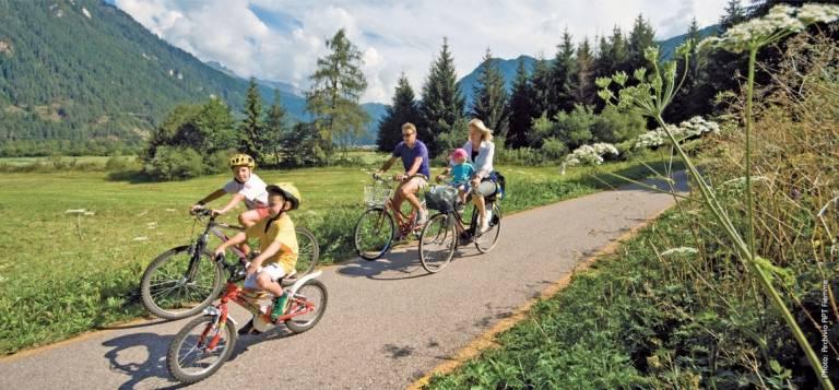 Un weekend per tutta la famiglia in Val di Fiemme, tra gastronomia, bici e animali