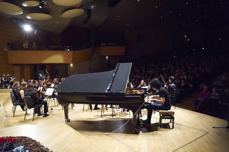 Giovanni Allevi al concerto Tci al Teatro Dal Verme di Milano. Foto di Gianluigi di Napoli
