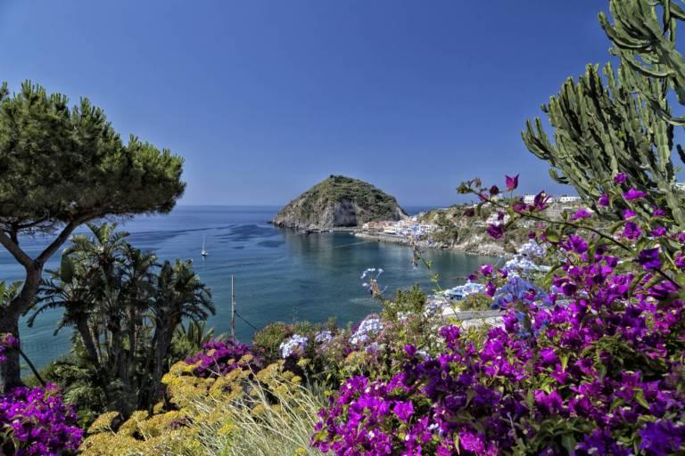 Ischia, anche la bellezza può vincere su un terremoto