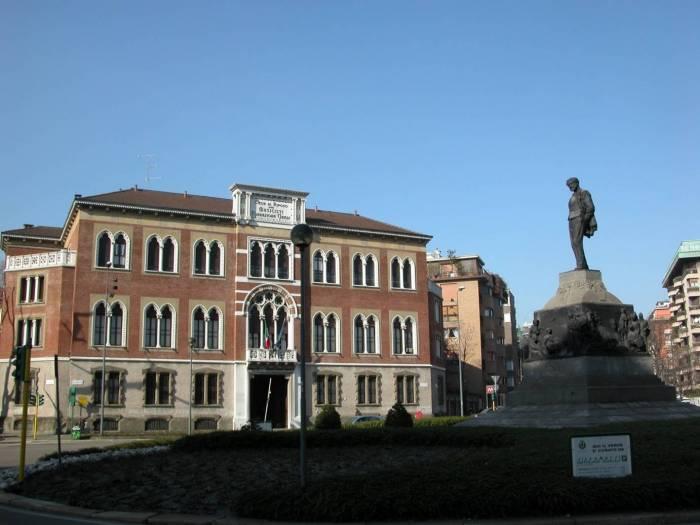 Centinaia di monumenti aperti a roma e milano per open house for Piccoli piani di casa verdi