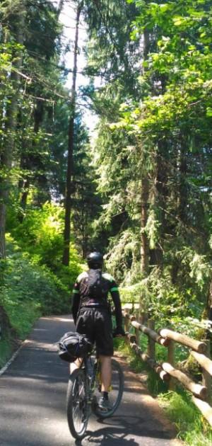 Weekend sulla ciclabile della Valcamonica: dal passo del Tonale al lago d'Iseo