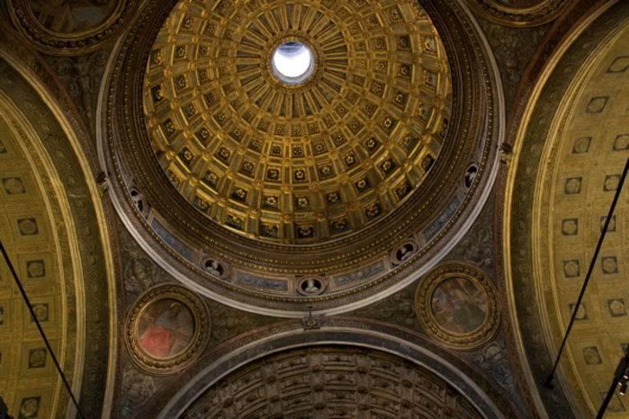La cupola di S. Maria presso S. Satiro, a Milano.