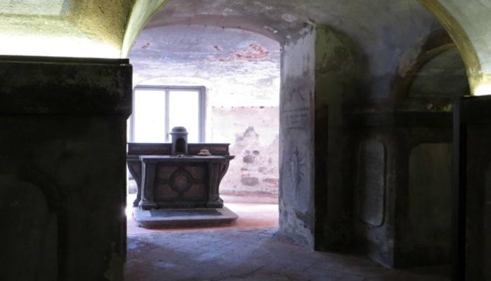 La cripta della B.V. Annunciata alla Ca' Granda a Milano.