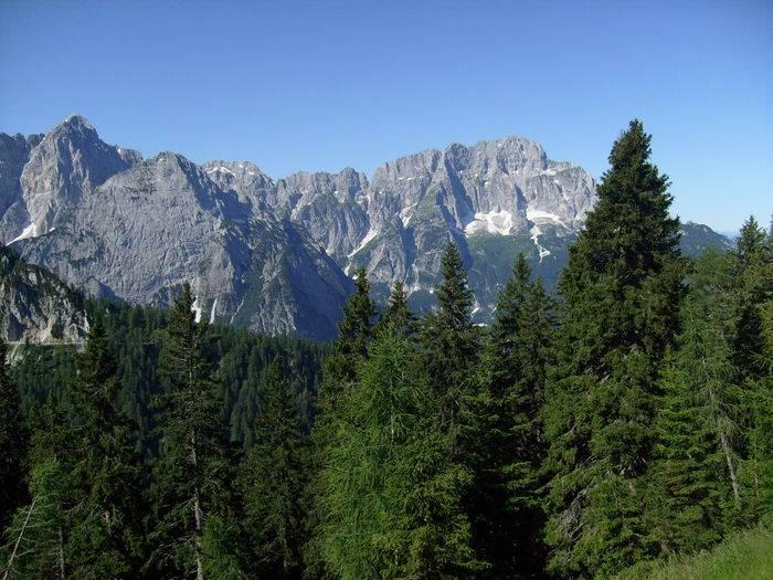 Dal Monte Lussari verso il Jof Fuart e il Jof di Montasio