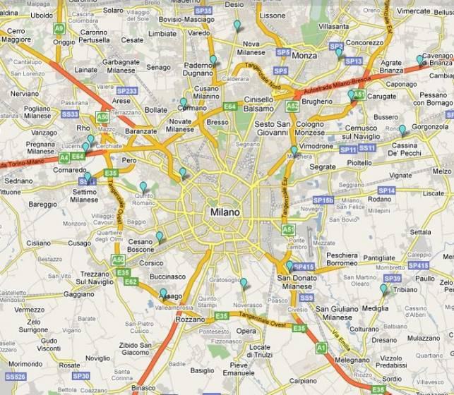 Area di Milano: i contrassegni azzurri segnalano i distributori di metano.