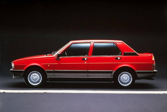 L'Alfa Romeo Giulietta seconda serie.