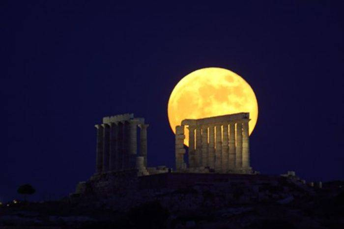 Solstice Full Moon over Sounion by Anthony Ayiomamitis (Greece)