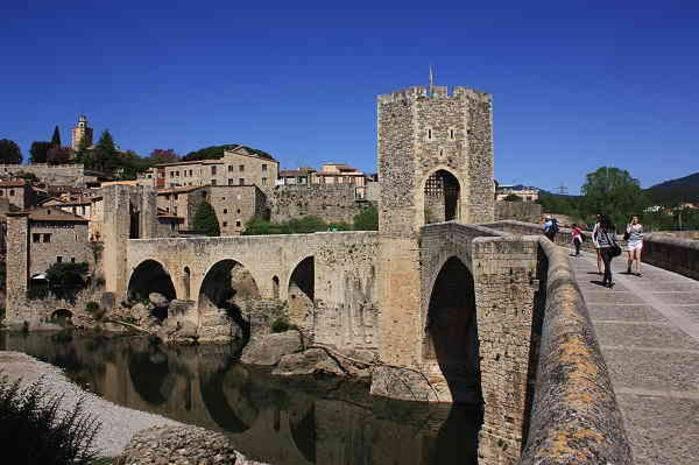 Il ponte fortificato di Besalú
