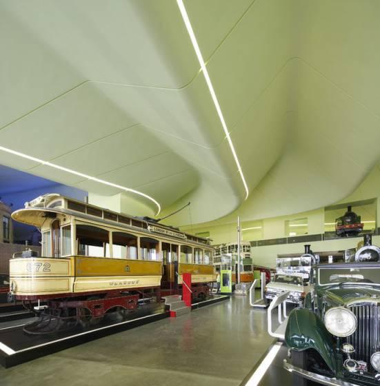 Il Riverside Museum di Glasgow è dedicato ai mezzi di trasporto e al viaggio
